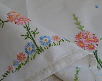 Vintage 1950s Irish linen hand embroidered tablecloth