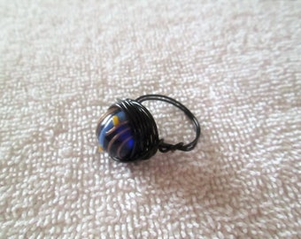 Beaded wire wrap ring, glass bead, size 6.5
