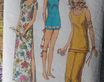 Simplicity 9362 is a 1972 pattern for a 34 inch bust Jiffy long dress or tunic with side split and pants in 2 lengths.