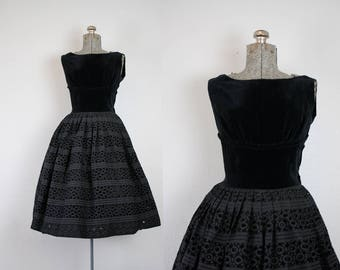 1950's Black Velvet and Eyelet Lace Party Dress / Size Small