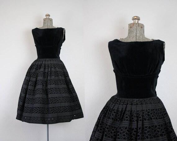 50er Jahre samt und Öse Spitze Partykleid schwarz / Größe
