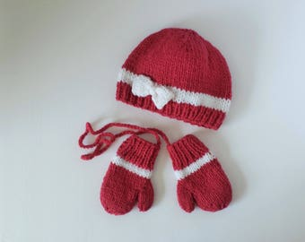 Hat and Mittens Set for Babies 6 to 9 Months