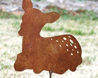Fawn yard stake - Baby deer garden stake - metal deer artwork - Fawn garden marker - Baby deer flowerbed - Fawn in laying position