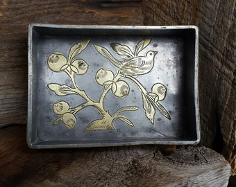 Metal Etched Bird Tray