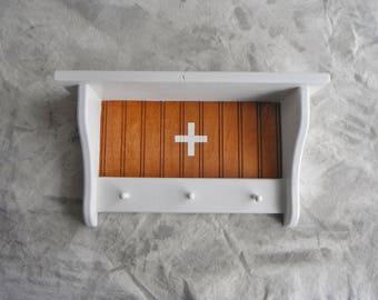 Medicinal (re)Designed Shelf