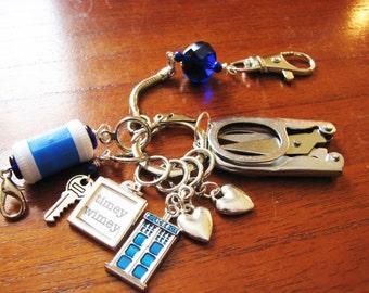 Strickerin Chatelaine: der Arzt - Arzt, Marker, Reihenzähler & Faltung Schere auf einem dekorativen Verschluss Stich,