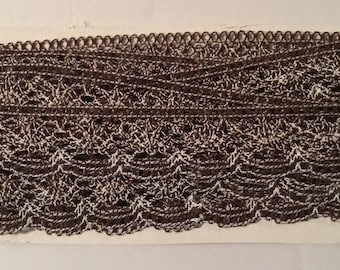 Trim 1 Yard Vintage Brown and White Scalloped Lace
