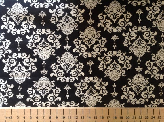 High quality cotton poplin printed in Japan. Beige and black