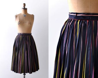 1950 striped pleated skirt. Full skirt. 50's rainbow skirt. Black taffeta. xxs. xs. Pink, red.