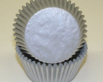 100 Silver Shimmer Cupcake Liners, Silver Shimmer Baking Cups, Silver Cupcake Liners, Professional Grade and Greaseproof Cupcake Liners