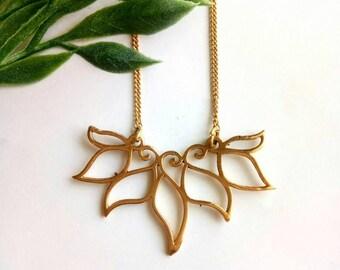 Brass Necklace, Geometric Necklace, Minimalist Necklace, Brass Chain, Necklace, Boho Necklace, leafs Necklace, Woman Necklace, Handmade.
