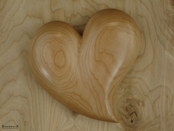 """Remembrance Gift   Pacific Big Leaf Maple Large """"Beautifully Whimsical"""" Heart   Bentworx™"""