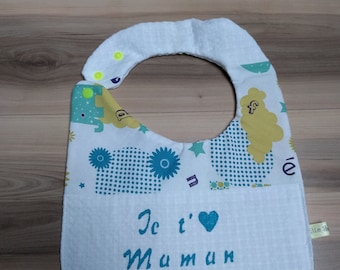 Child's bib with message