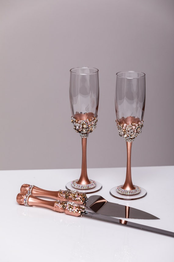 wedding cake cutters and flutes gold wedding glasses and cake server set cake knife 22313