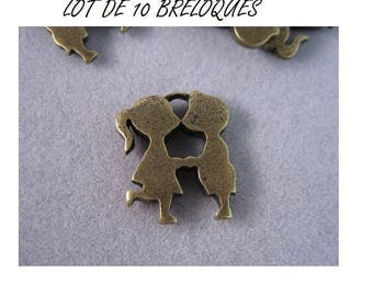 Set of 3 charms couple kissing bronze man woman (T10)