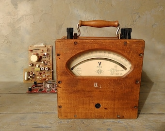 Voltmeter,vintage instrument,voltmeter of 1947,gift for a man,steampunk, rare thing.