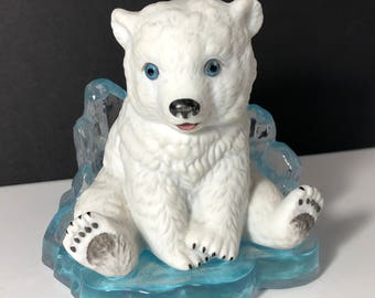 POLAR BEAR FIGURINE Hamilton collection Little Friends of the Arctic ice sculpture statue 1995 vintage Premiere Issue Young Prince heavy