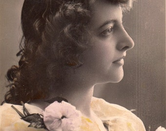 Vintage French Romantic woman Postcard .Greetings Romantic Woman with flowers.