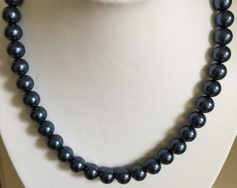 Classic blue pearl necklace