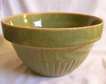 Vintage Green Glazed 9'' Yellow Ware Mixing Bowl Kitchen Collectible Primitive Decor Stoneware Yellowware Pottery