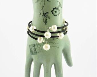 Freshwater pearl bracelet, white freshwater pearls, memory wire bracelet, large pearls, pearl bracelet, black rubber tubing, handmade