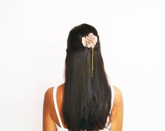 Peigne à cheveux mariage bohème fleur taupe, peigne mariage champêtre, peigne à cheveux demoiselle d'honneur
