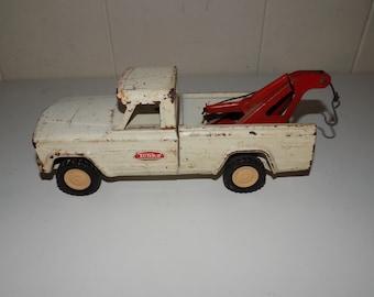 Vintage Tonka Tow Truck Pressed Metal Steel Pick Up