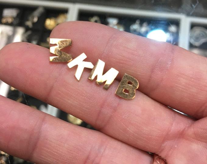 Initial Earring in 14k Gold