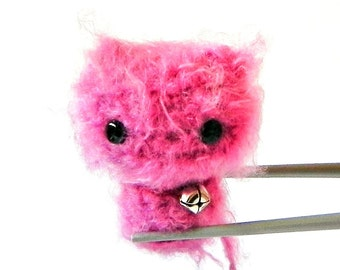 Crochet Amigurumi fuchsia pink MoMoMi MochiQtie -- mini size crochet amigurumi stuffed toy doll
