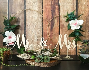 Mr and Mrs Wedding Signs, Mr and Mrs, Signs, Wedding Decor, Wedding Sign, Signs, Wedding Signs, Rustic Wedding Decor, Wedding Decorations