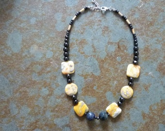 Black and yellow agate necklace crazy