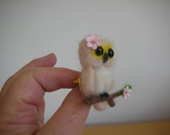 Hand Made Needle Felted Owl Brooch