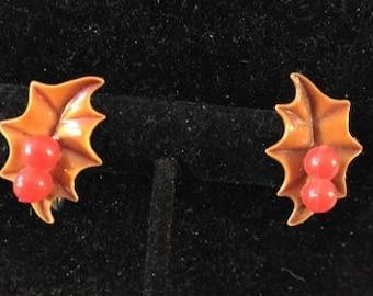 Vintage Holly Berry Leaf Screwback Earrings