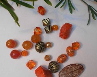 Assortment of 21 - acrylic beads Lot # 4
