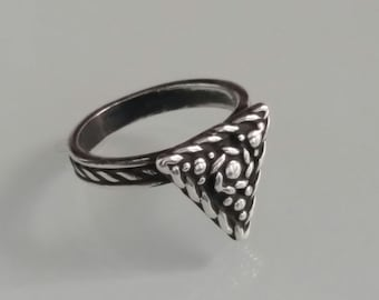 Triangle Ring, Solid Sterling Silver Ring,Oxidized 925 Silver,  Antique Style,  Ring for women. Gift for Her, Designer Ring