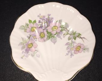 Royal Tara Trinket / Made in Ireland / Galway / Shell Shape dish / trinket / Blossom dish / Irish Royal Tara /Irish Blossom