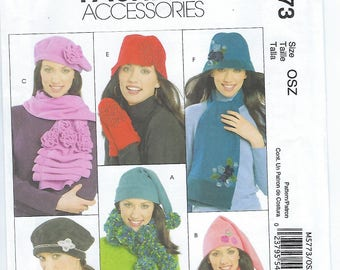 McCalls 5773 - MISSES Hats, Scarves & Mittens