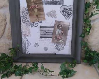 Reserved frame peels mixes old weathered