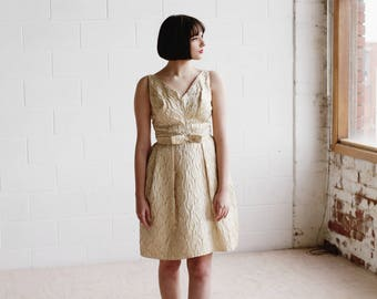 The ZOUZOU Dress / Vintage 1960s Champagne Gold Brocade Party Dress / Dipped Back / Bow Detail / Petite Danseuse Collection / XS/S