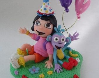 Dora The Explorer; cake topper, decoration / Dora La Exploradora; centro de cake, decoracion