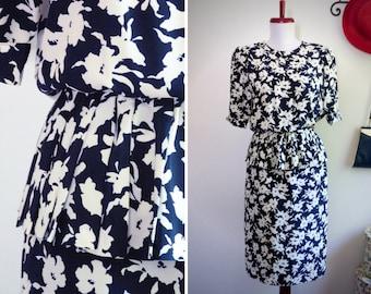 Ruffled waist blue and white light dress