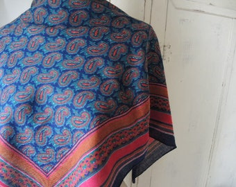 vintage 1970s scarf paisley polyester or acrylic 31 x 31 inches
