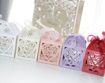 50pcs Love Heart Hollowed Wedding/Birthday/Party Bomboniere/Favour Boxes with Ribbon