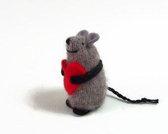wool waldorf mouse, toy mouse, valentine mouse,  stuffed animal, kids valentine, valentine gift, love mouse, heart mouse, valentine toy