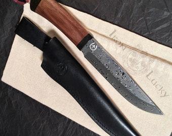 DAMASCUS STAINLESS steel knife, custom knife, hunting knife. Art 14.214