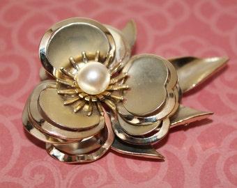 Vintage Brooch, Flower Pin, Gold Tone Faux Pearl Brooch