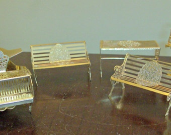 Lot of 5 Assorted Dollhouse Furniture