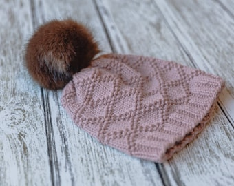 Fur pompom hat pattern, knitting fur hat pattern, faux fur pompom hat, women's pompom hat, women's beanie, Quince & Co Pattern