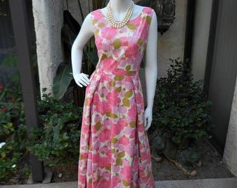 Vintage 1960's Pink Floral Print Dress - Size 10