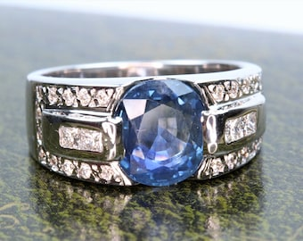 Beautiful ring in gold, Sapphire and diamonds